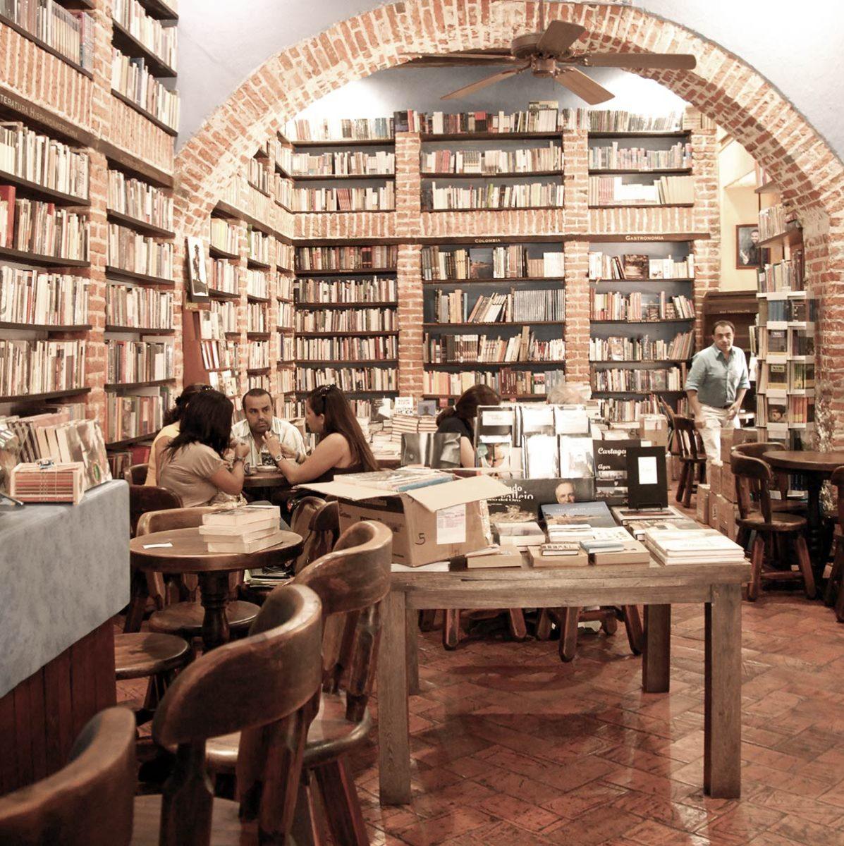 El Abaco Bookstore