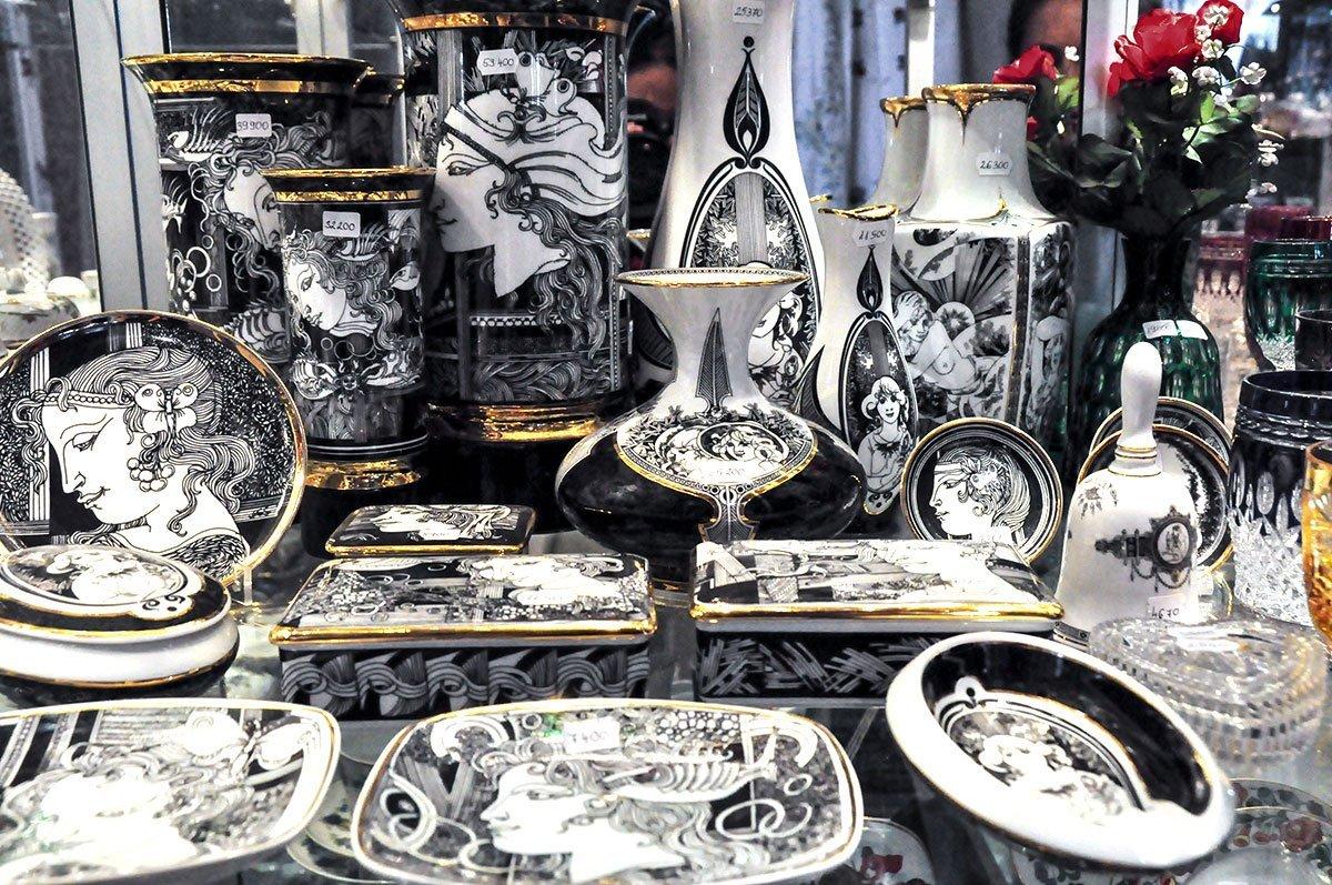 Porcelain at Noztalgia Crystal Shop Budapest