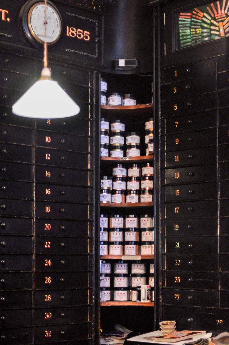 Art Supply Store London, L. Cornelissen & Son