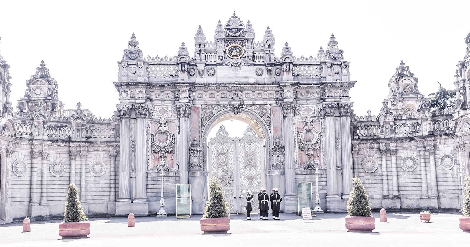 Dolmabahce-Palace_005b